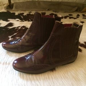 Boden Chelsea boot / brogue - oxblood W9